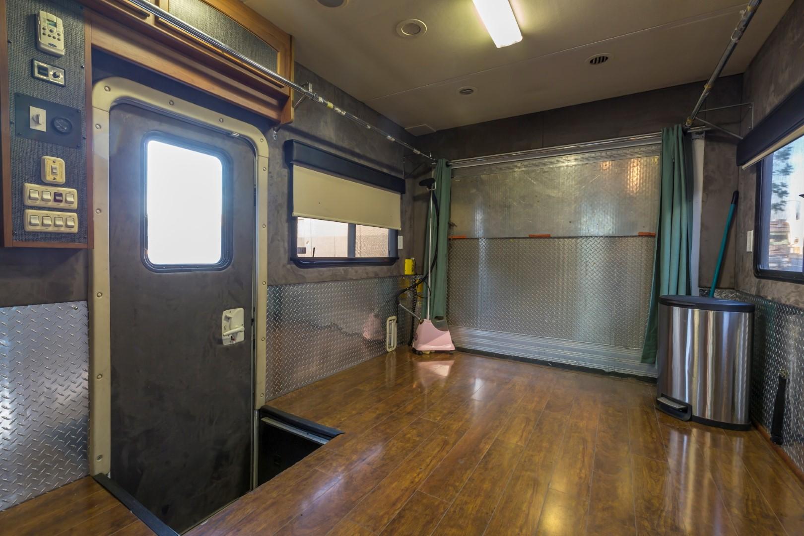 2008 Safari Rv Interior Remodel Conversion At Premier Motorcoach